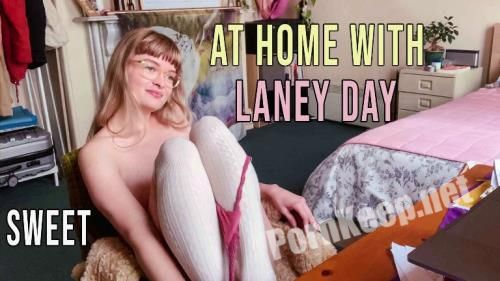 [GirlsOutWest] Laney - Day At Home Sweet 06.10.20 (FullHD 1080p, 1.39 GB)
